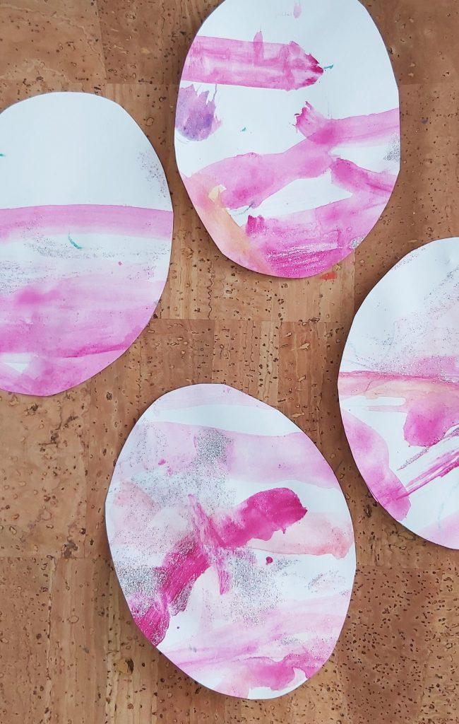 Osterdeko DIY Anhänger und Grußkarten aus Kinderbildern basteln