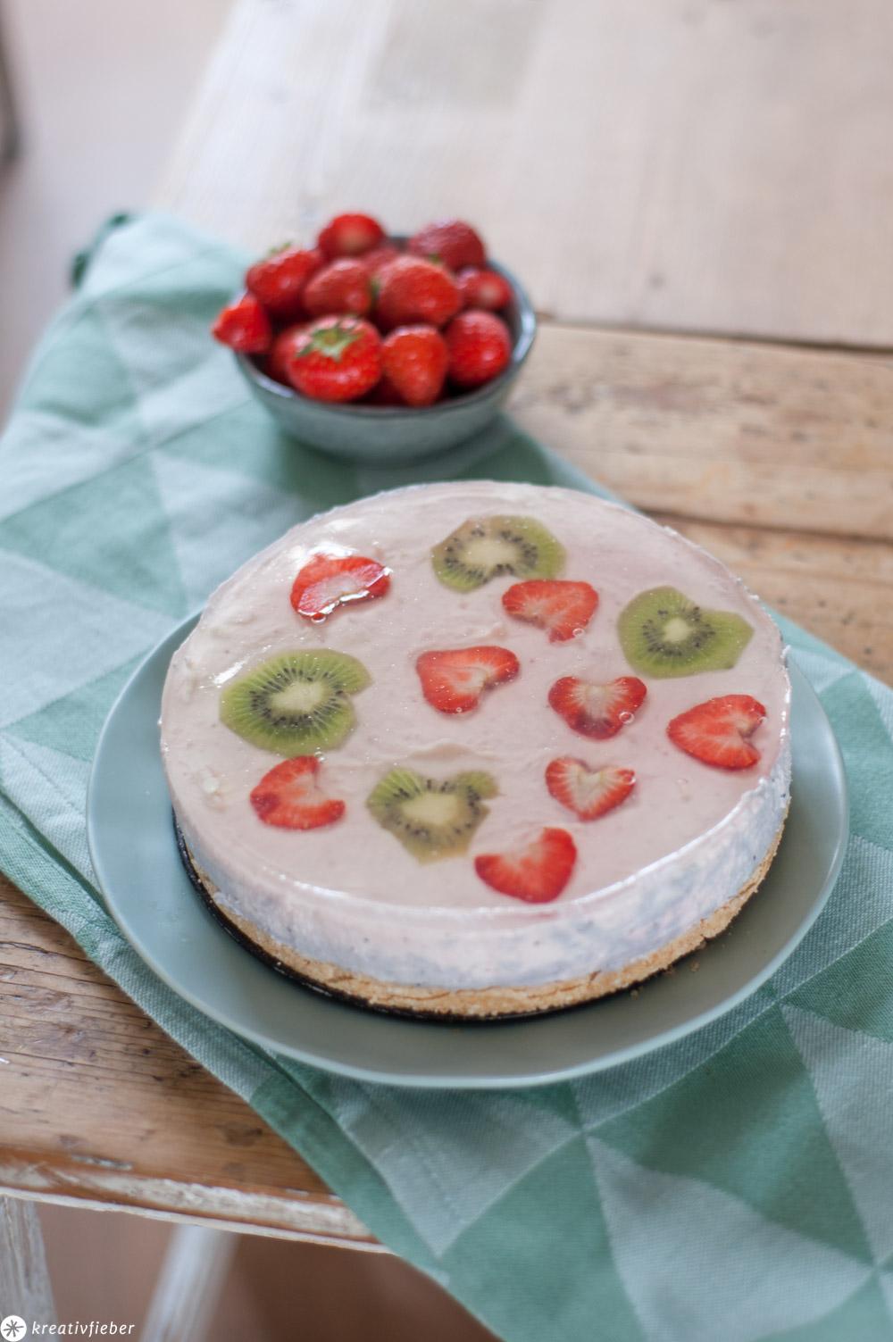 Erdbeeren Joghurt Kiwi Torte