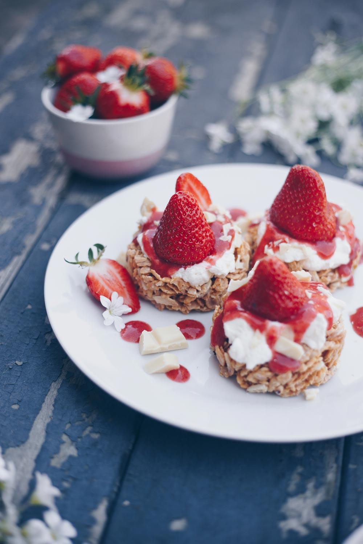 Erdbeer Crossie Törtchen ohne backen - Dessertidee