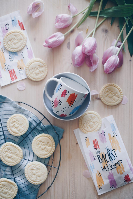 DIY Geschenkset für die beste Freundin - Tasse und Glückskekse - Aufmunterung per Post schicken
