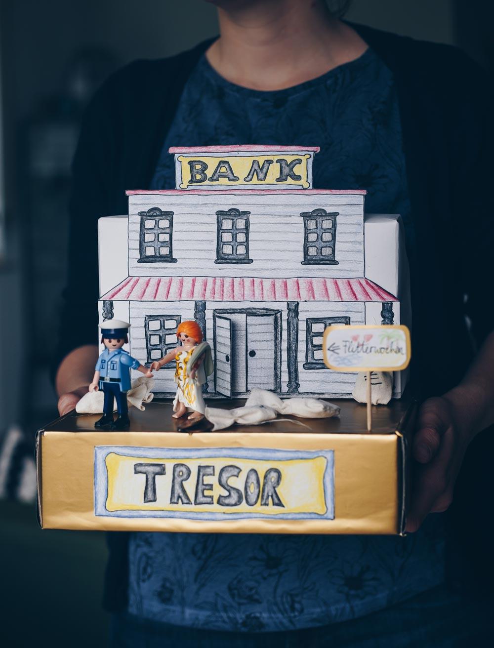 DIY Geldgeschenk zur Hochzeit selbermachen - DIY Miniaturwelt selbermachen - individuelle Verpackungsidee