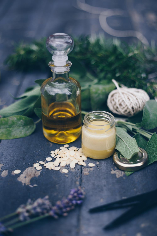 DIY Erkältungsbalsam selbermachen - Welche Kräuter und Öle sind geeignet