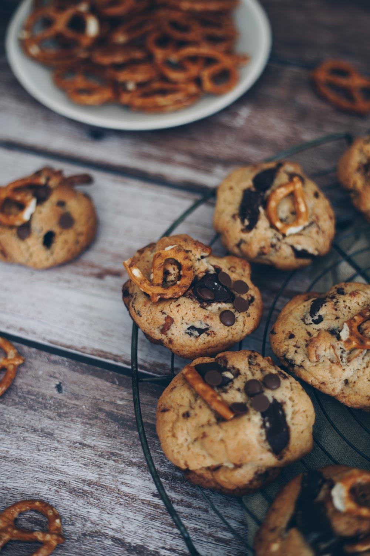 Chocolate Chip Cookies mit Brezeln backen moody