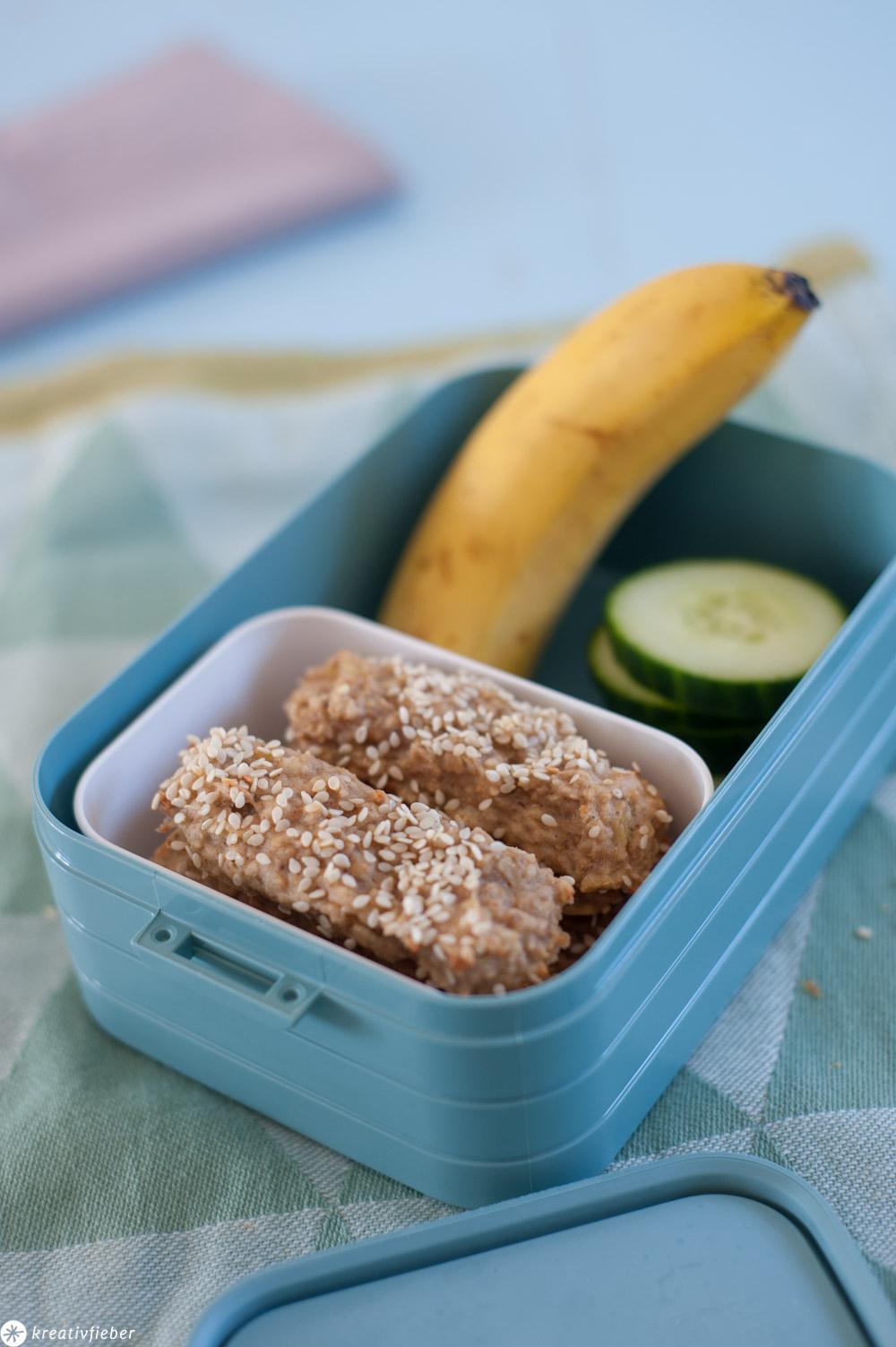 Riegel für Kleinkinder gesunder Snack mit Banane und Haferflocken