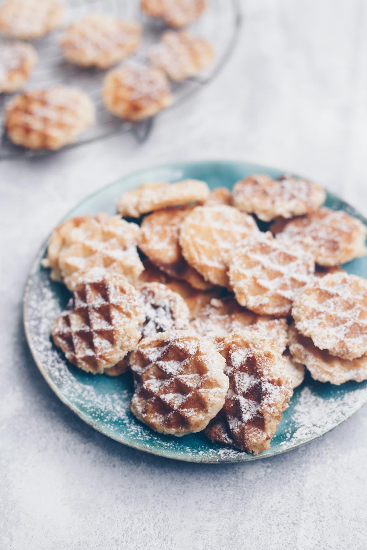 Simple Waffelcookies mit Zitrone backen