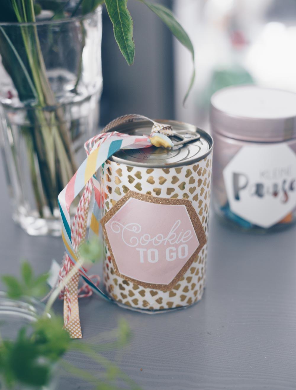 Last Minute Geschenkidee - Geschenkverpackung aus Konservendose selbermachen für Kekse und Co.