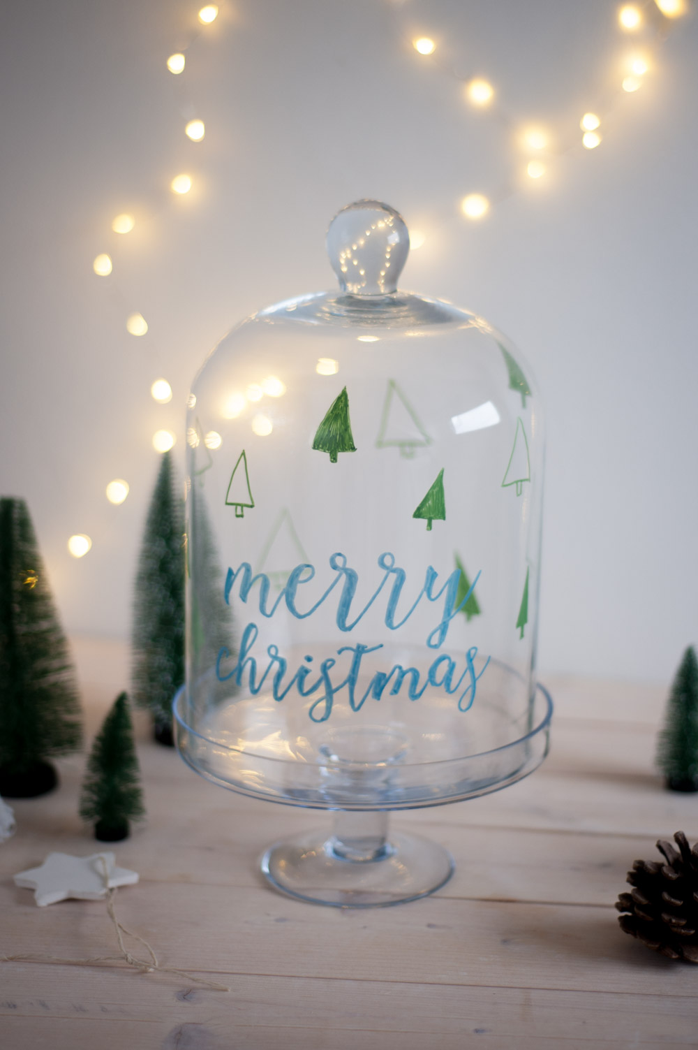 DIY GLasglocke bemalen und verzieren mit Chalkmarkern Weihnachtsdeko