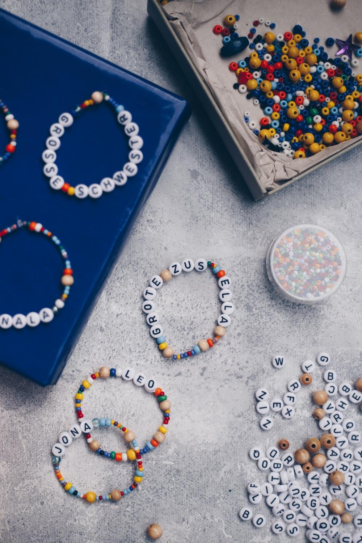 Buchstabenarmband für Kinder
