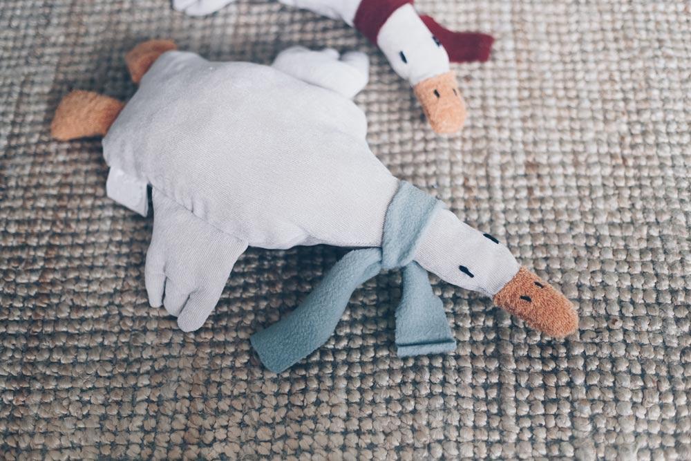 Gans Gerda Wärmekuscheltier für Kinder nähen - Geschenkidee zur Geburt