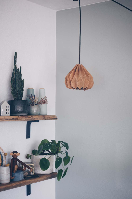 DIY Plissee Lampenschirm aus Kork mit Lederkabel selbermachen - Origami-Lampenschirm Anleitung