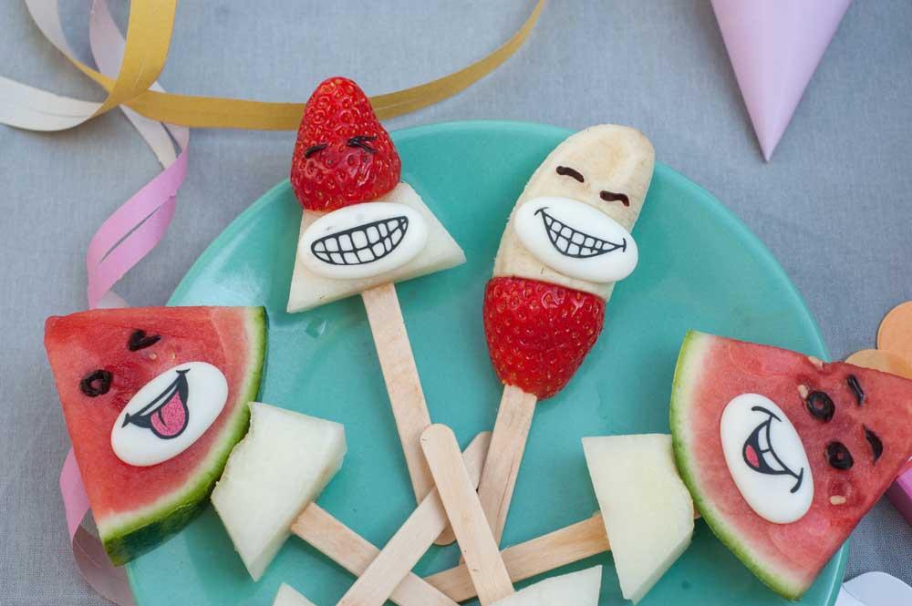 Obstlollies mit Gesichtern