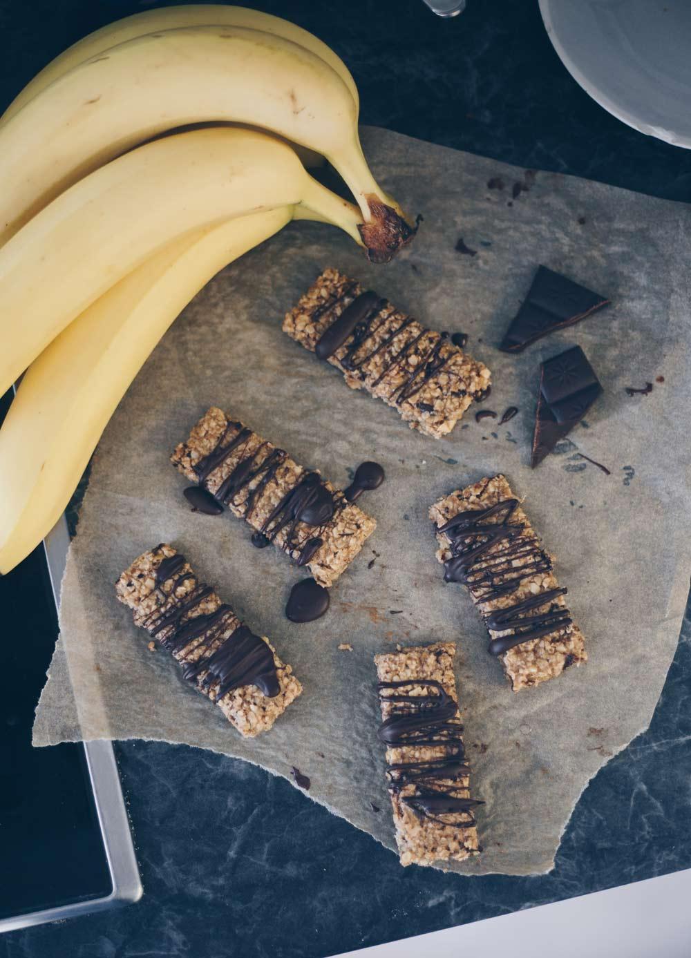 Vegane Bananen-Schoko-Müsliriegel selbermachen