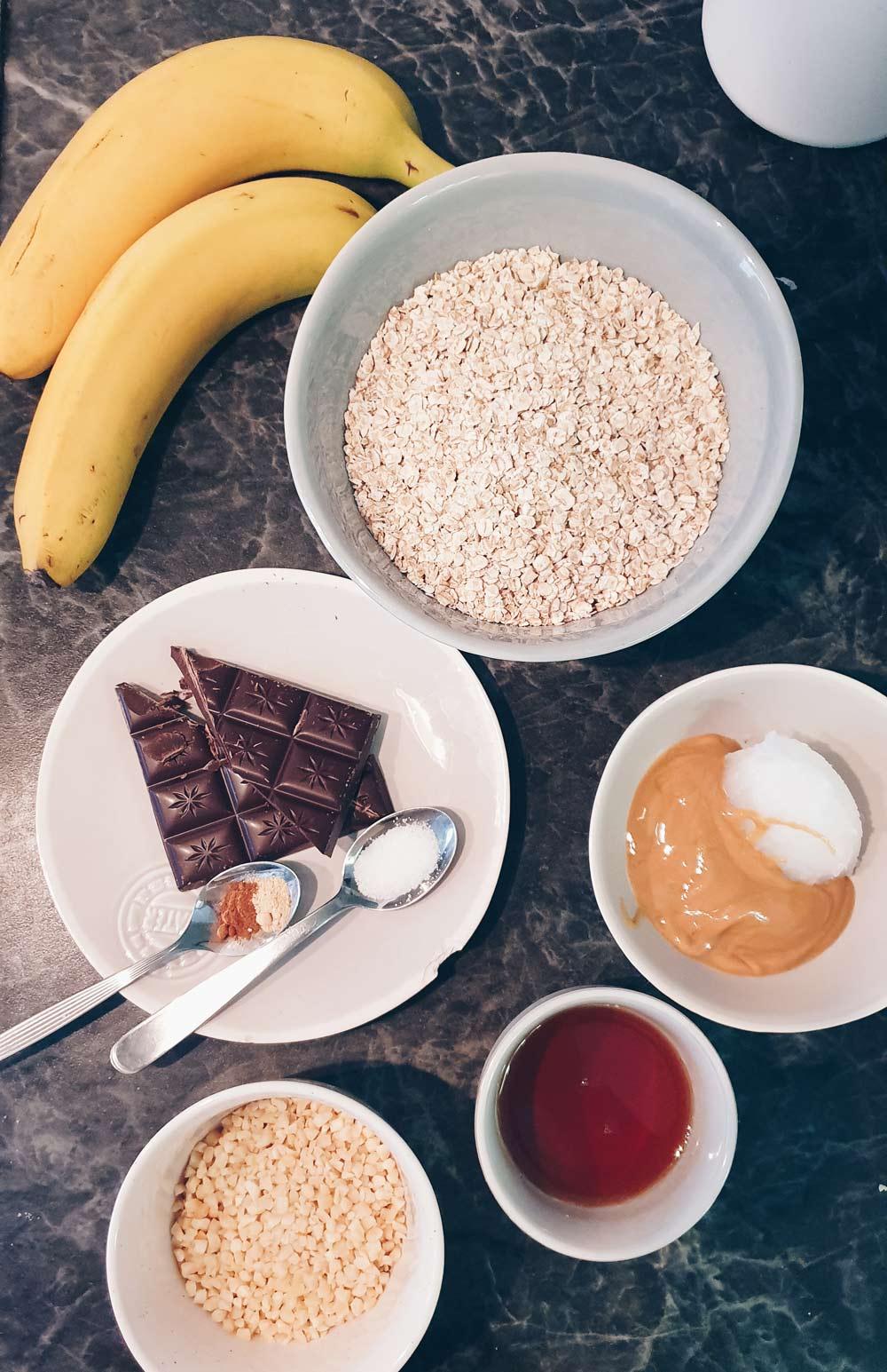Zutaten vegane Bananen-Schoko-Müsliriegel
